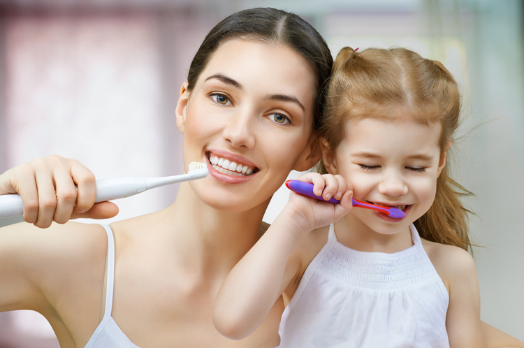 How Some Brushing Habits Harm the Teeth